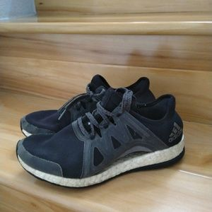 Adidas women's pure boost shoes size 7